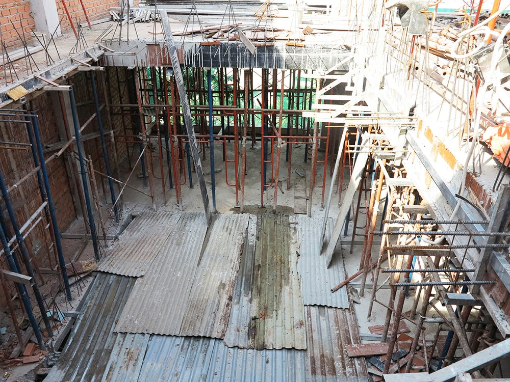 Công đoạn đóng cốt pha sàn tầng 5 góc 4