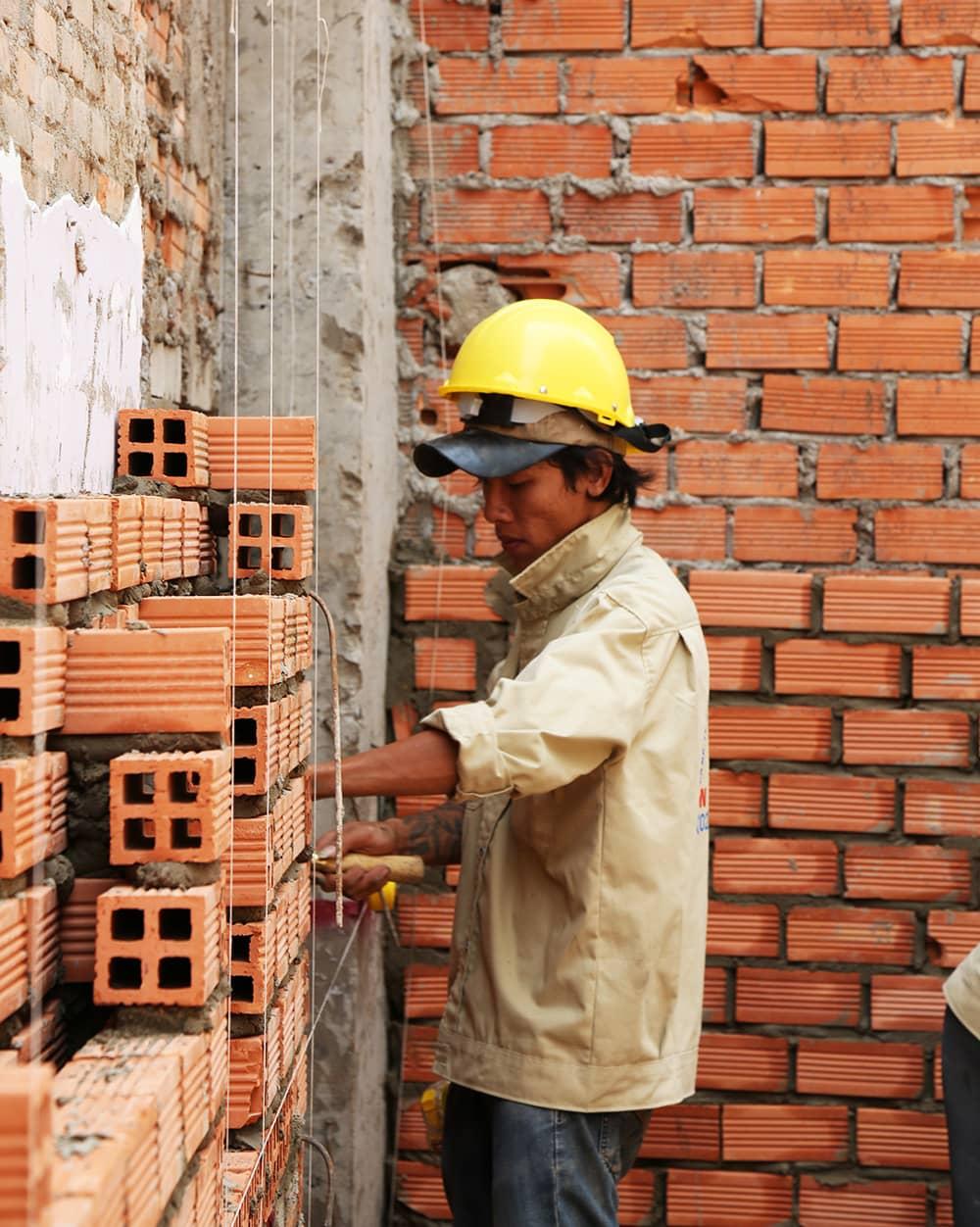 Công đoạn xây tường bao tầng trệt view 4