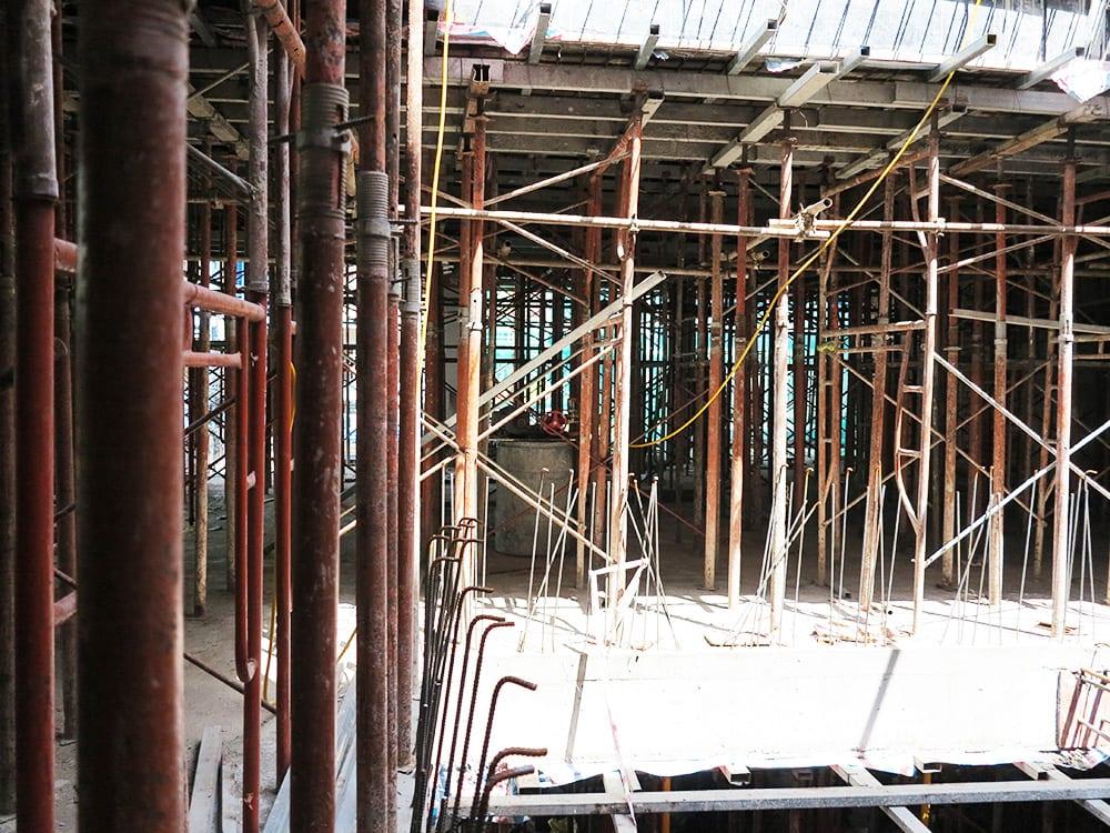 Công tác chuẩn bị đổ sàn lầu 3 góc view 2