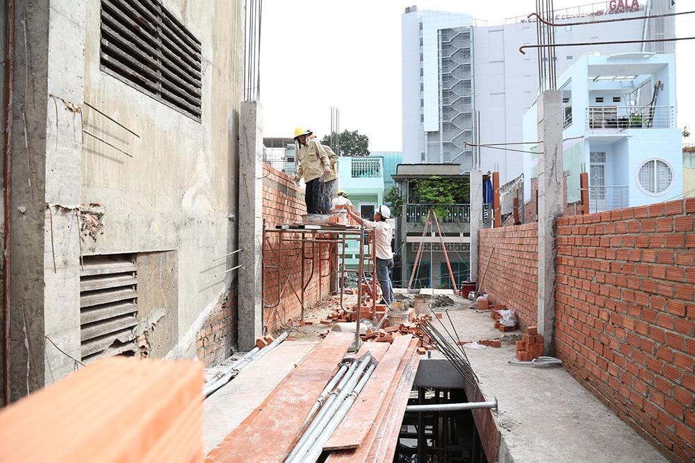 Công tác xây tường bao lầu 1 view 2