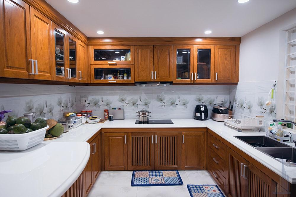 Không gian bếp và phòng ăn góc view 1