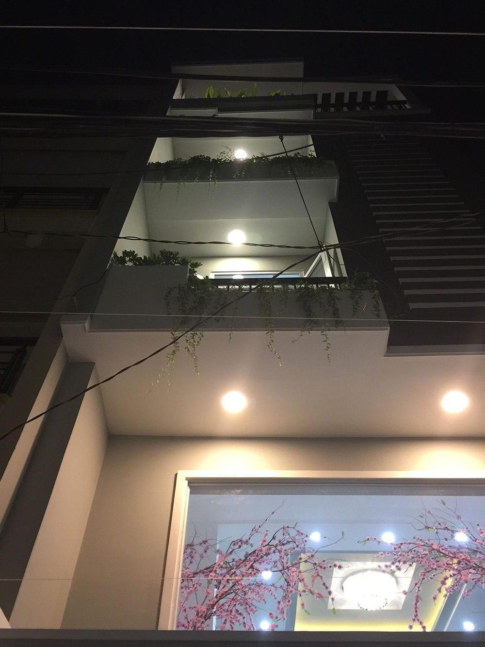 Mặt tiền nhà phố 5 tầng góc nhìn 2