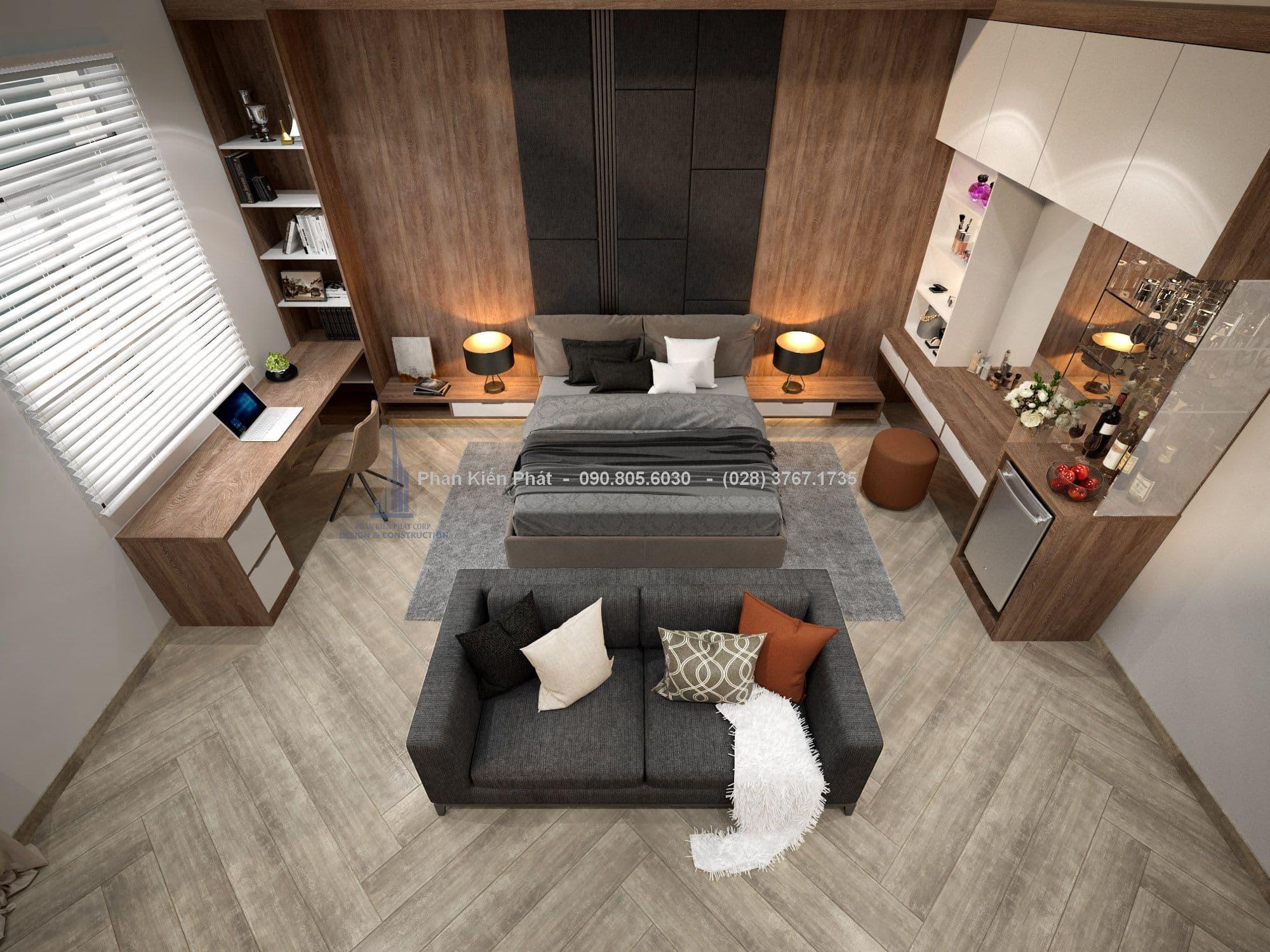 Không gian phòng ngủ master khá rộng rãi với nội thất gỗ ấm áp