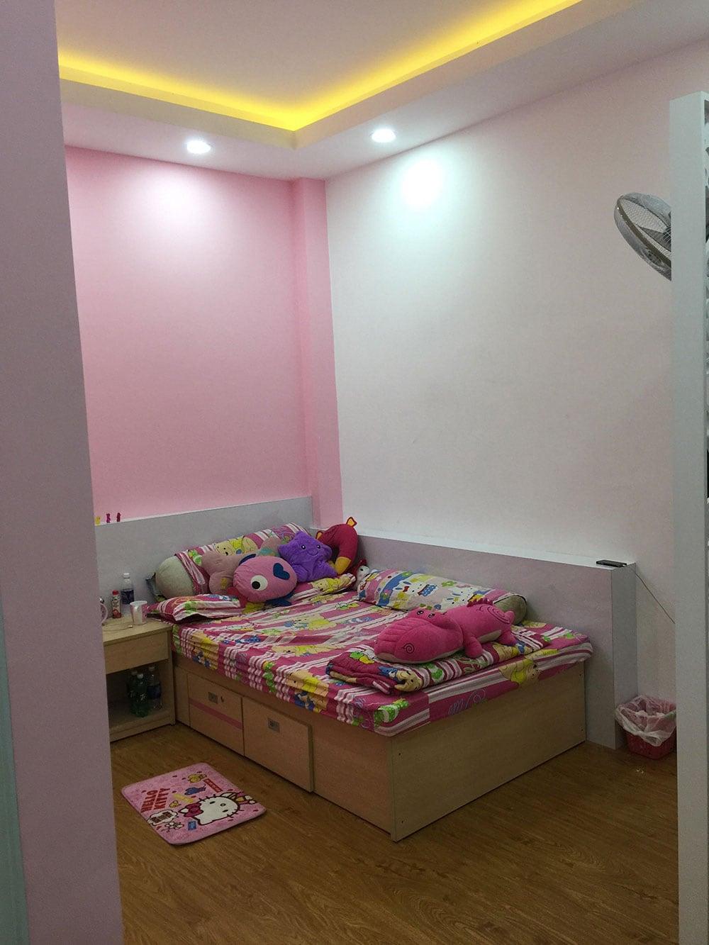 Phòng ngủ con gái góc view 1
