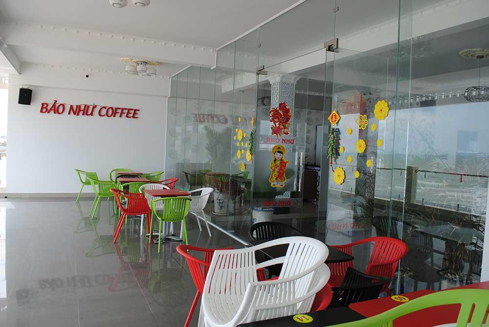 Tầng 2 cafe góc 1