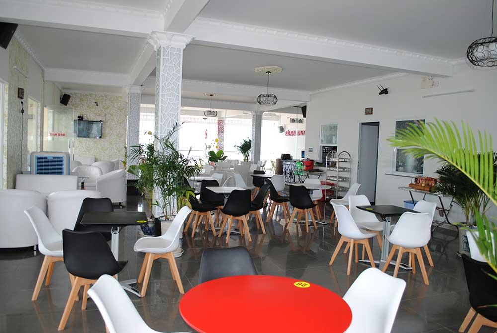 Tầng 2 cafe góc 3
