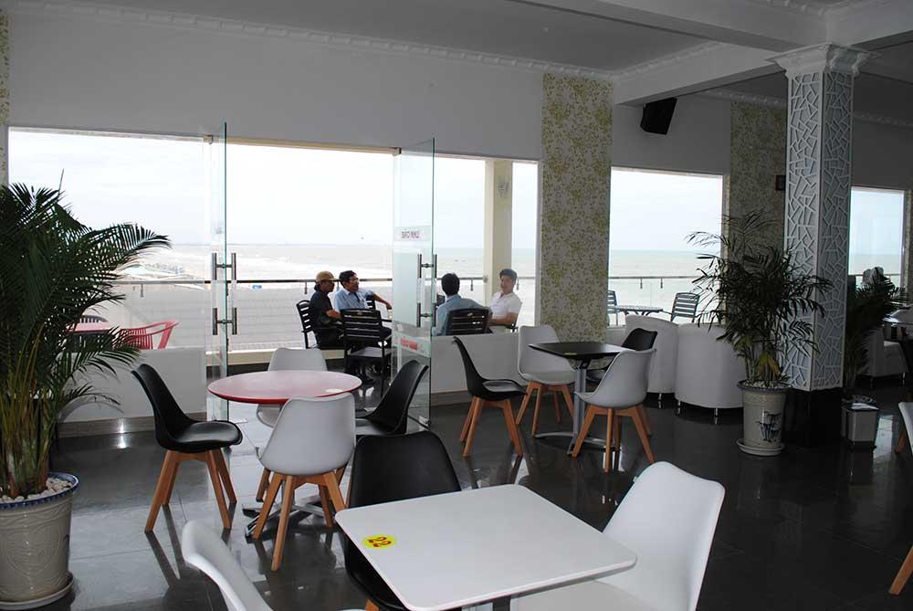 Tầng 2 cafe góc 4