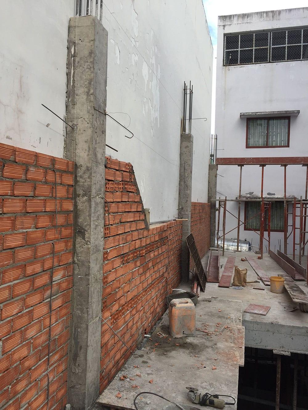 Xây tường bao lầu 1