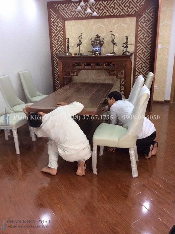 Cong Nhan Lap Dat Ban Tho
