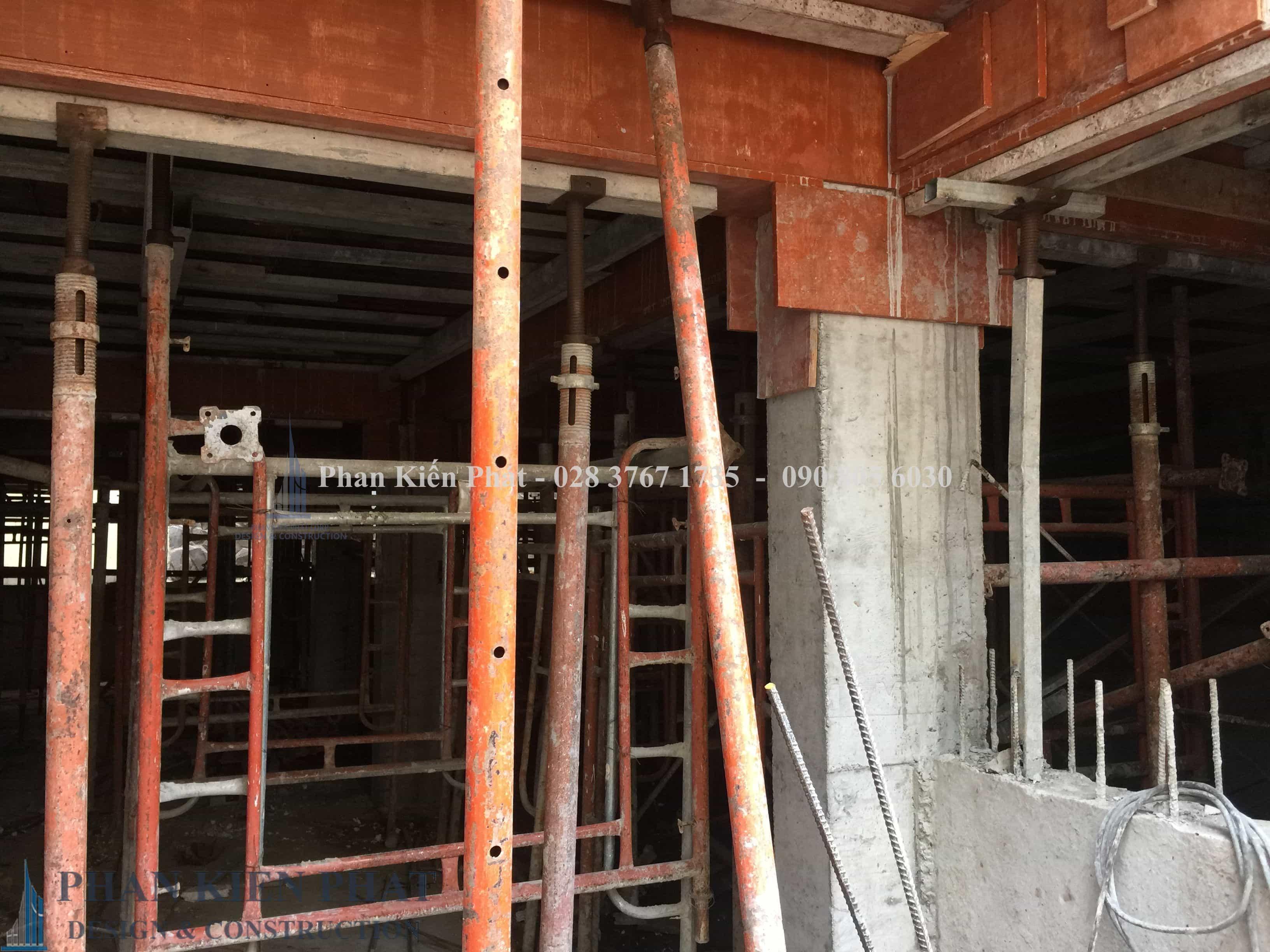Cong Tac Lap Dung Fan Giao Cop Pha Tang Tret View 1