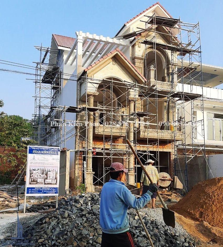 Thi Cong Biet Thu Tan Co Dien V2